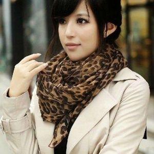 New Leopard print scarf